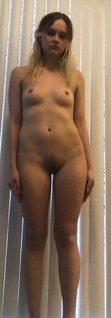 Musterung, Nackt, hübsches Mädchen, dominieren, Abgreifen, dreier, zusammen, durchficken, deep throad, Kehlenfick, Erotik, kleine Brüste, süß, zur benutzung, partnersuche, kontaktanzeige